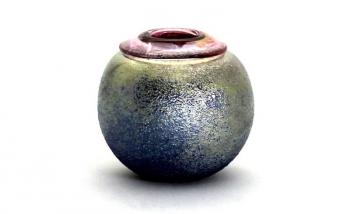 Lustre Pot